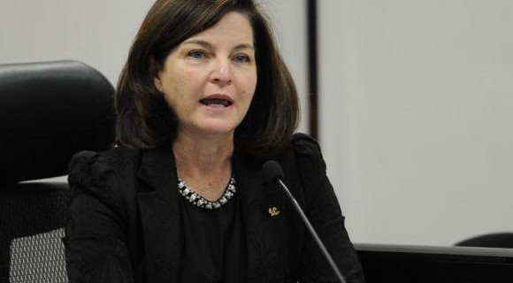 Sabatina de Dodge na CCJ está prevista para começar às 10h. Se aprovada pelos senadores, ela será a primeira mulher a chefiar o MPF