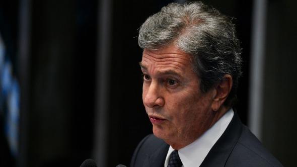 STF adia julgamento da denúncia da PGR contra Fernando Collor