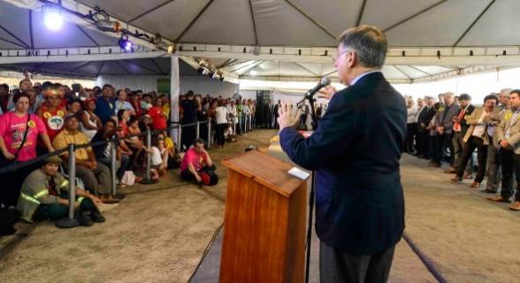Pimentel participou de ato político na Usina Miranda contra privatização proposta pelo governo Temer