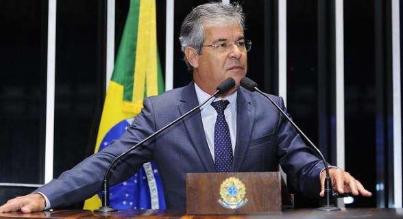 """Jorge Viana começou decisão no plenário do Senado: """"Tiraram um peso das nossas costas"""""""