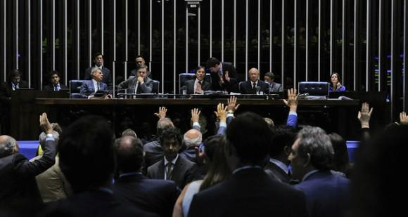 Senado aprova financiamento bilionário de campanhas em votação sem registro nominal