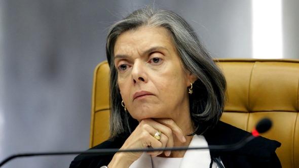 Cármen Lúcia pede investigação sobre menções de ministros do STF