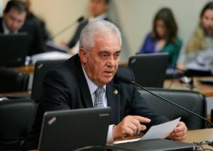 Otto foi o segundo senador a anunciar saída da CPMI nesta terça-feira (12)
