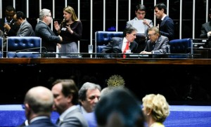 Senados querem votar matéria com rapidez no plenário