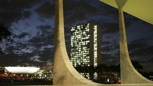 Congresso em Foco Facebook ter Instagram Flickr RSS Newsletter Notícias Prêmio Opinião Revista Painel do Poder Brasília Leis em destaque Concursos Blog do Hélio Início » Crise brasileira » Julgamento sobre delação contra Temer ofusca reforma política na