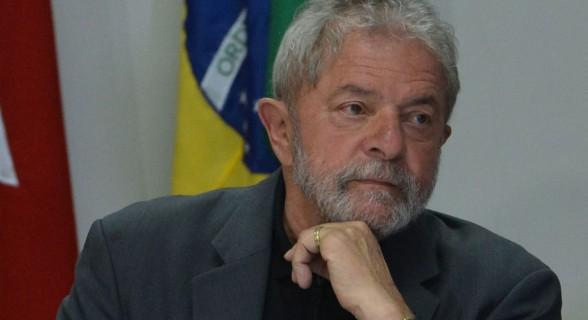 O ex-presidente Lula é suspeito de ser o verdadeiro dono de imóvel em São Bernardo