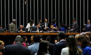 Plenário continua dividido a respeito das mudanças no sistema político-eleitoral