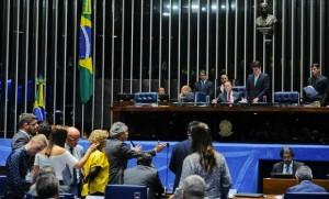 Aprovada no plenário do Senado, PEC segue para votação na Câmara
