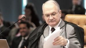 """Ministro conclama os pares a promover a eficácia da Justiça com """"The Mona Lisa"""""""