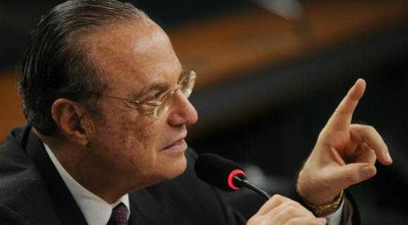 Maluf também foi condenado a devolver dinheiro aos cofres públicos