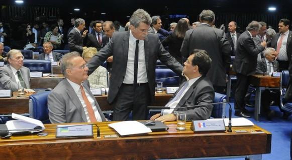 Renan, Jucá, Braga... Senadores às voltas com a Justiça são maioria entre os apoiadores de Aécio