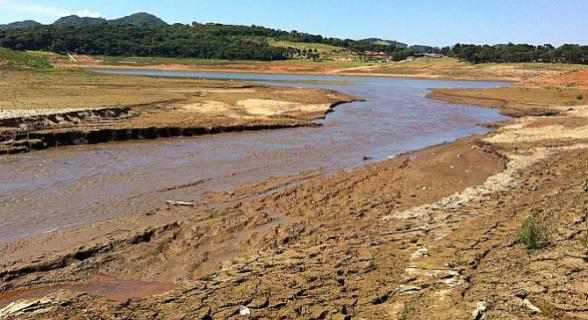 Mesmo com as chuvas recentes na capital, os níveis dos reservatórios continuam baixos