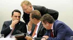 Os deputados Evandro Gussi, João Campos e Tadeu Mudalen articularam a aprovação das matérias no colegiado