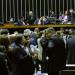 Os vetos estão sendo analisados por deputados e senadores em sessão do Congresso
