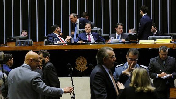 Resultado de imagem para Eunício prioriza pauta e Senado aprova Refis para micro e pequenas empresas