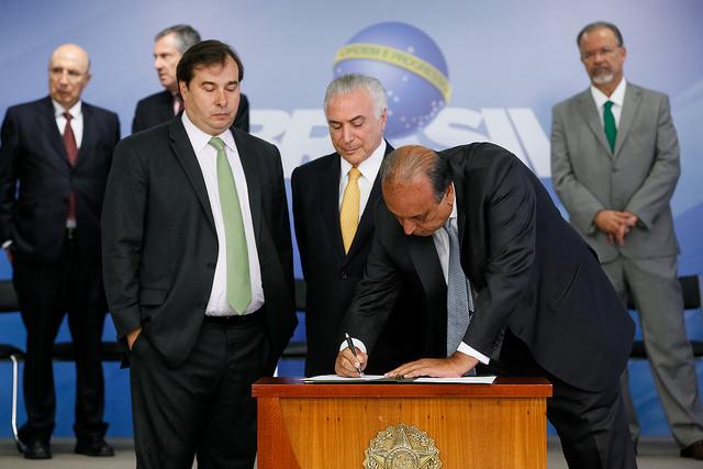 Chega ao Senado decreto de intervenção na segurança pública do Rio
