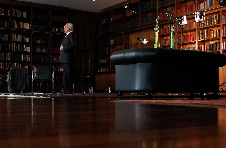 Intervenção deve 'limpar' imagem de Temer para concorrer às eleições, diz marqueteiro