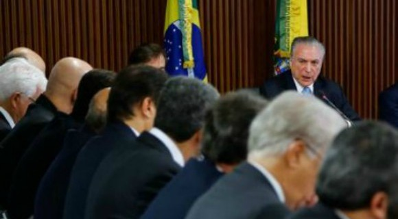 Temer não demonstra interesse na medida provisória e não deve mobiliar base para aprová-la, dizem oposicionistas
