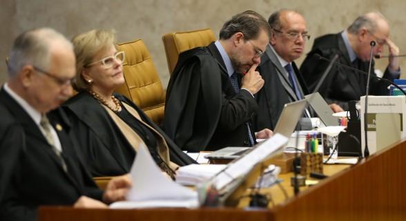 STF retoma julgamento de suspensão de denúncia sobre Temer