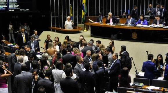 Plenário dominado por mulheres tem sido a tônica nos meses de março