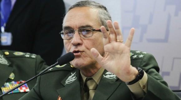 """""""O militar sugeriu veladamente que o Exército poderia agir a depender do resultado do julgamento"""""""