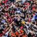 Lula é cercado pela militância horas antes de se entregar à Polícia Federal