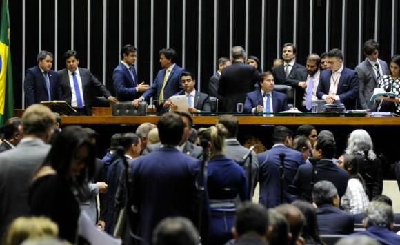 Resultado de imagem para Lançamento da Reforma Tributaria Solidária une líderes de mais de 10 partidos na Câmara dos Deputados