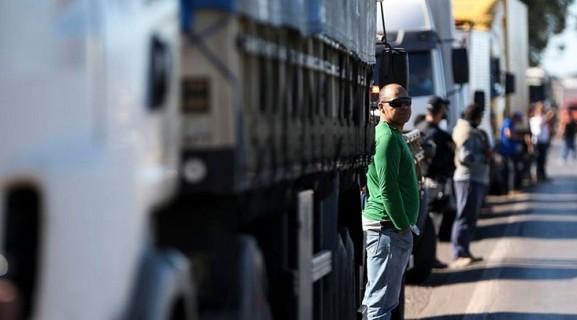 Interações nas redes sociais mostram queda de apoio ao movimento dos caminhoneiros