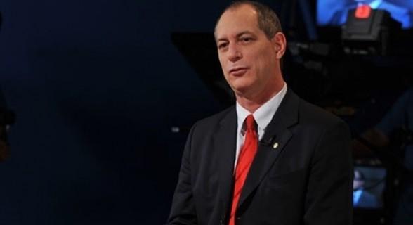 Ciro afirmou que reforma trabalhista e teto de gastos serão revogados caso seja eleito em outubro