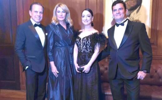 Doria e Moro com suas respectivas esposas em evento de premiação em Nova York na semana passada