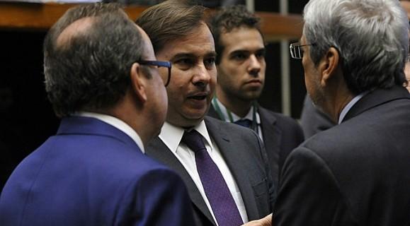 Como presidente da Câmara, Rodrigo Maia encabeça Mesa Diretora