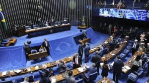 17 de 24 senadores investigados na Lava Jato tentarão a reeleição