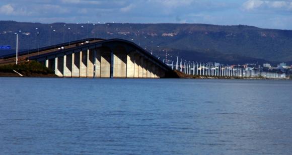 Inaugurada em 2002, Ponte Fernando Henrique Cardoso é um dos pontos turísticos de Palmas