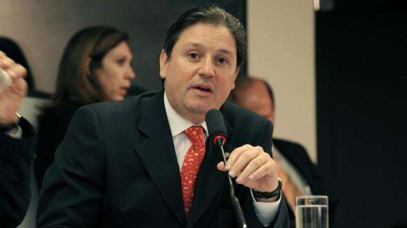 Rocha Loures foi flagrado pela PF correndo com uma mala de dinheiro em São Paulo