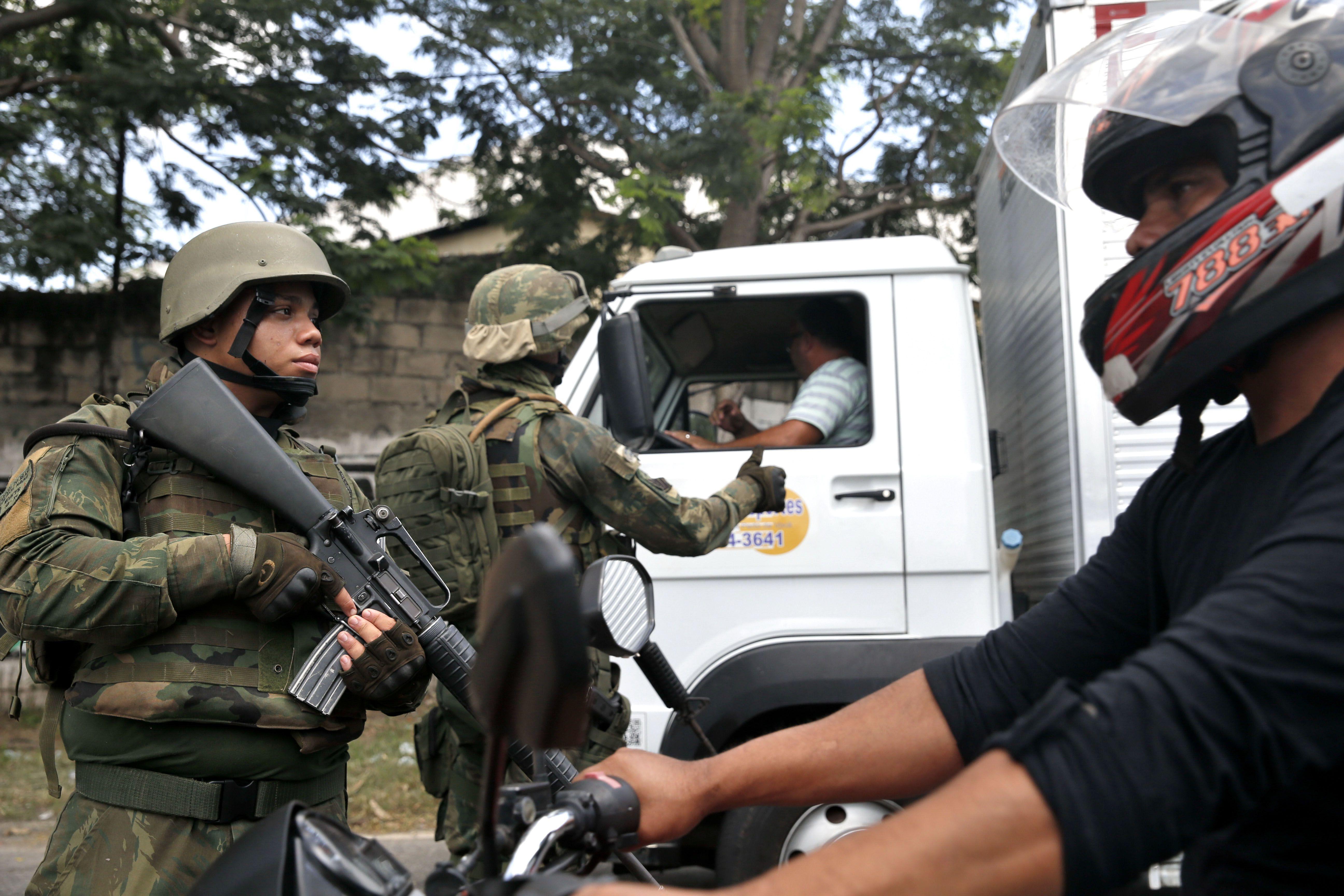 8503e1ce8e Intervenção com militares no Rio é
