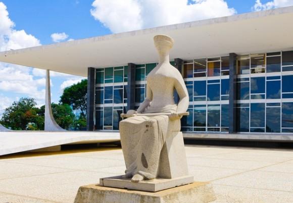 Temer sanciona aumento do STF para R$ 39 mil; Fux determina fim do auxílio-moradia