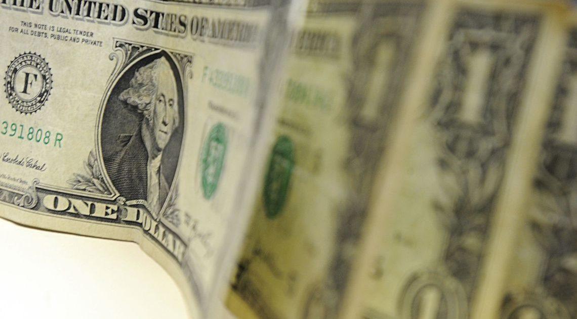 Dólar fecha acima de 5 reais pela primeira vez na história