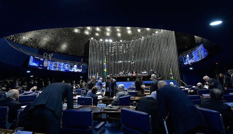 Senadores aprovam projeto no plenário do Senado