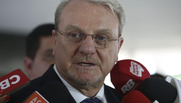 Márcio Lacerda retira candidatura ao Governo de Minas