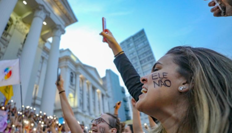 grito contra Bolsonaro