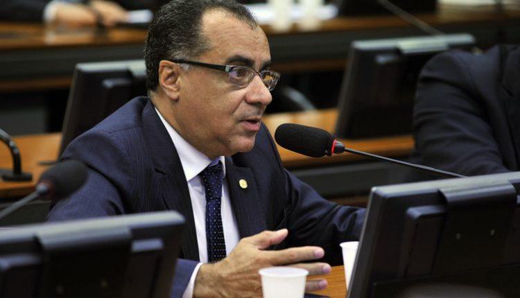 TSE permite que deputado condenado retome campanha.