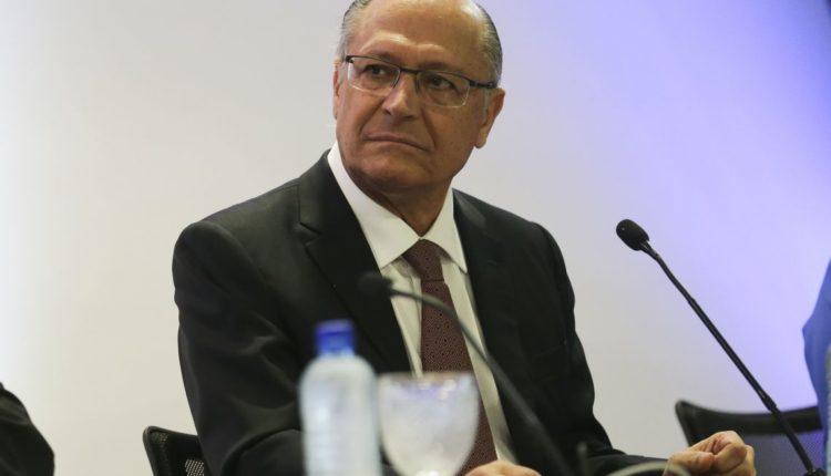 Justiça Eleitoral determina bloqueio de bens e valores de Alckmin