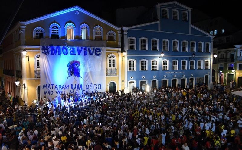 Em ato-homenagem póstumo a Moa do Catendê, soteropolitanos demonstram que as frentes antiviolência estão mais vivas do que nunca no país