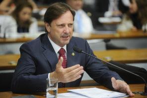 Ministro do STF barra o senador Acir Gurgacz (PDT-RO) tentava se eleger ao governo do estado, mas teve o registro da candidatura rejeitado com base na Lei da Ficha Limpa