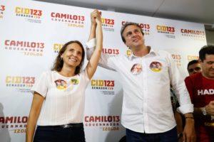Camilo Santana comemora reeleição