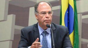 """""""Horrorizado"""": sobrou para Fernando Bezerra depois que Eunício deixou Paulo Guedes para falar com a PGR"""