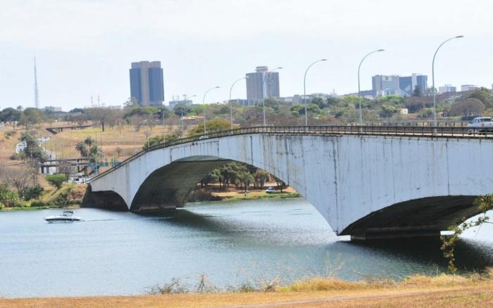 Ponte é uma das três que ligam Lago Sul ao Plano Piloto, onde ficam o Congresso e o Palácio do Planalto