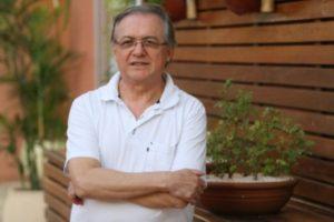 Bolsonaro. Escolhido por Bolsonaro tem vasta experiência acadêmica no Brasil e no exterior