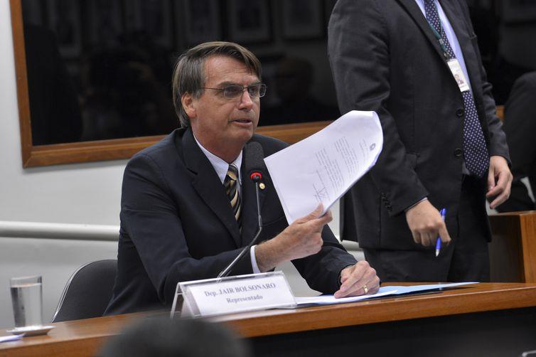 Técnicos do TSE apontam inconsistências nas contas de campanha de Bolsonaro - Wilson Dias / Agência Brasil