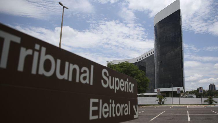 Candidatos e partidos têm até este sábado para apresentar contas eleitorais - José Cruz / Agência Brasil